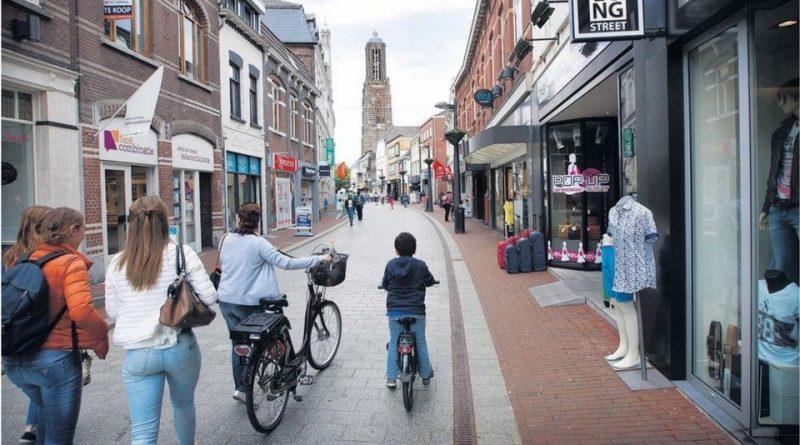 Hoe de fysieke winkel (web)retailers aan meer omzet helpt